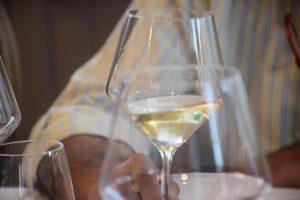 Cata de vino blanco asturiano